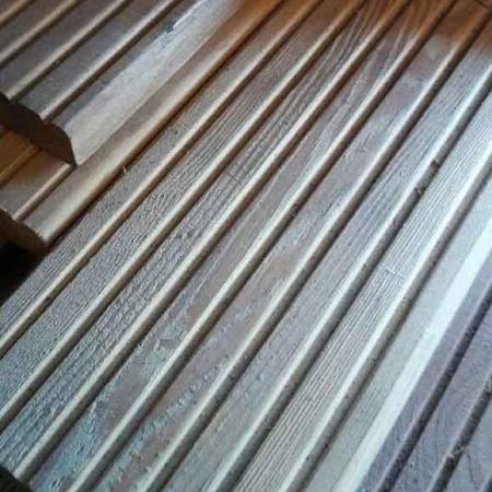 Odessa-Holzhandel-Deutschland-Terrassendielen-europaeische-Laerche-Riffelbohlen-Aktionspreis-4