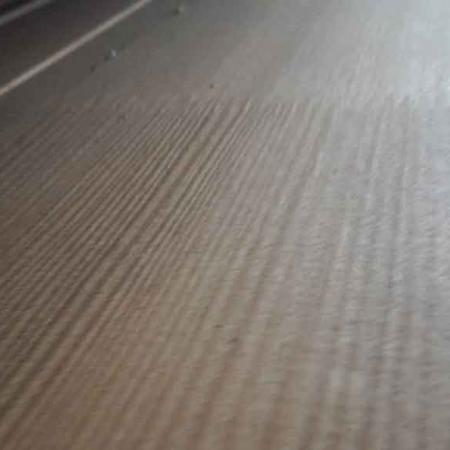 Odessa-Holzhandel-Deutschland-Fussbodendielen-Echtholzparkett-Sibirische-Laerche-4